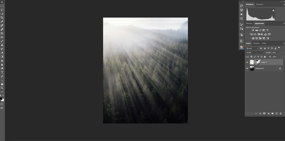 Create rays of light in Photoshop